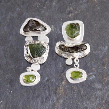 Shelly stone earring